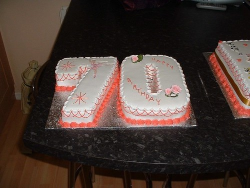 70Th Birthday Cakes for Men http://www.debbiescakeole.co.uk/birthday/