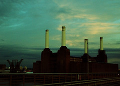 Pigs on the wing? (Rob Crane photos) Tags: sky london train photoshopped july railway steam battersea powerstation 2010 cathedralsexpress nikond80