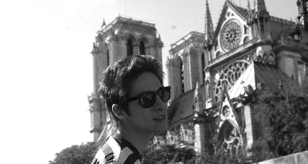 In Notre Dame (Pablo Poulain) Tags: boy white black male blanco photoshop  skinny