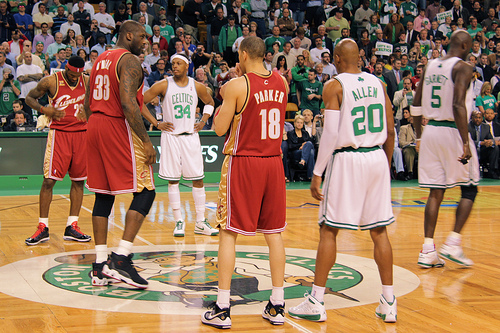 Shaq, LeBron, Pierce, KG and Allen line up seconds before the tipoff
