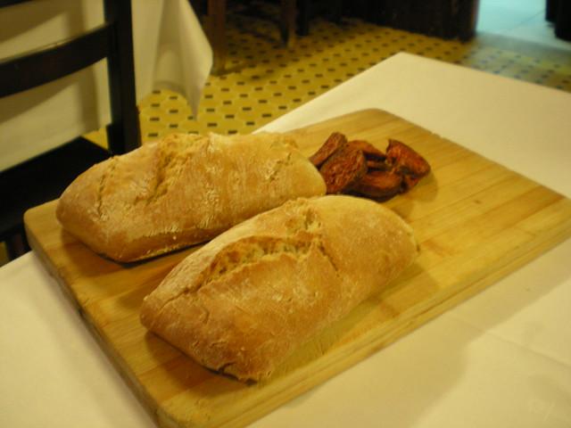 Chorizo con pan