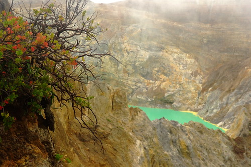 kelimutu national park