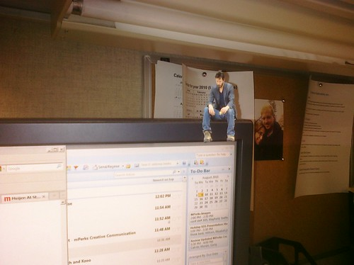 Ptw Came back from lunch to find a sad Keanu on my monitor.