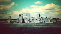 [フリー画像] 建築・建造物, 遺跡, ストーンヘンジ, 世界遺産, イギリス, 201008211900