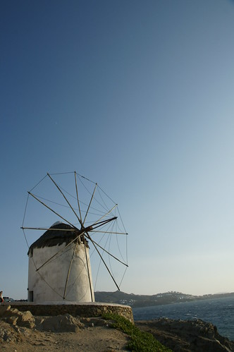 The Windmills (Kato Milli) ミコノス島 - カト・ミリの風車と波打ち際