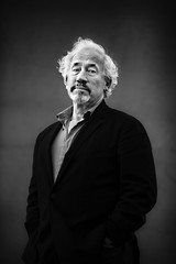 Simon Callow (TGKW) Tags: portrait people blackandwhite man simon festival standing book edinburgh theatre expression stage suit international actor writer director thespian callow luvvie 8647