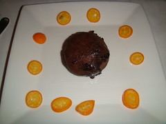 Tartita de chocolate con naranja china
