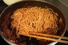 さっそくスパゲティ(トマトソース作り)