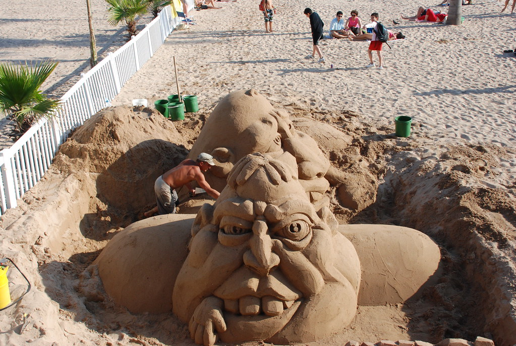 sand sculpture in Cannes