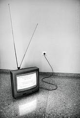 """NO TV"" (Domonte Design) Tags: bw white black blanco television branco analog t"