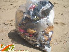 IMG_8078 (Streamer -  ) Tags: ocean friends sea green beach nature project israel garbage volunteers group cleanup clean safe bags  streamer initiative    ashkelon  envirnment       ashqelon