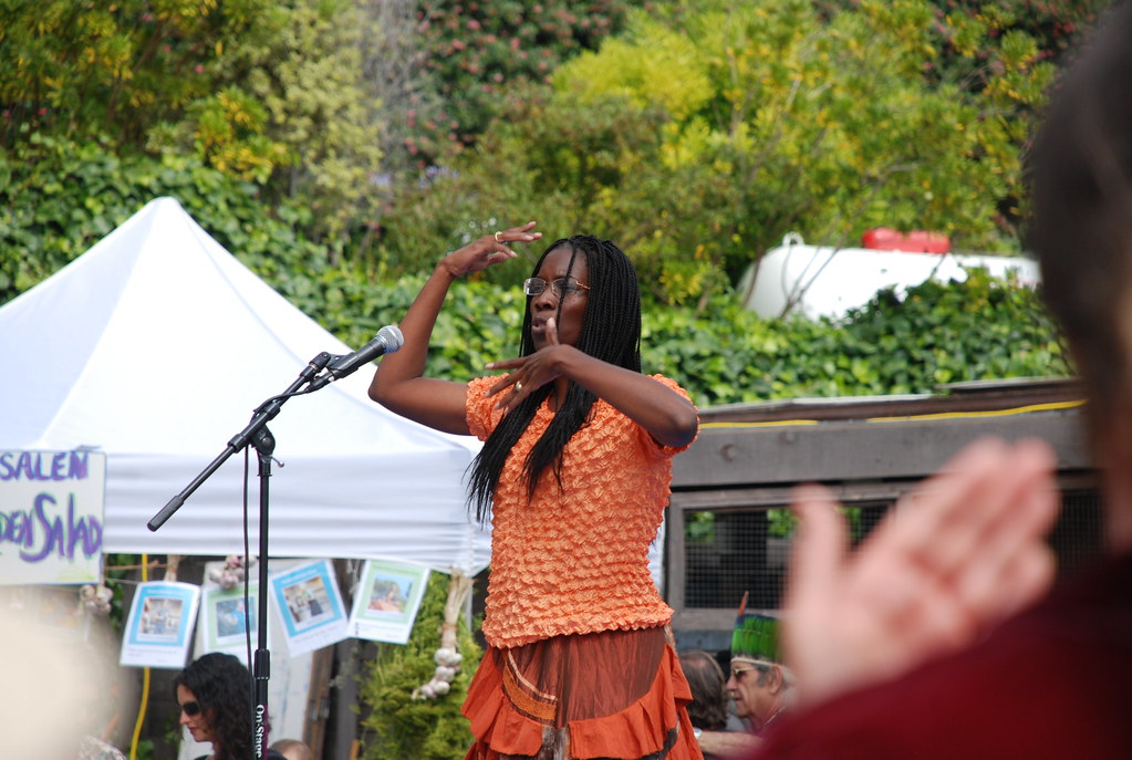 poetree performance at esalen