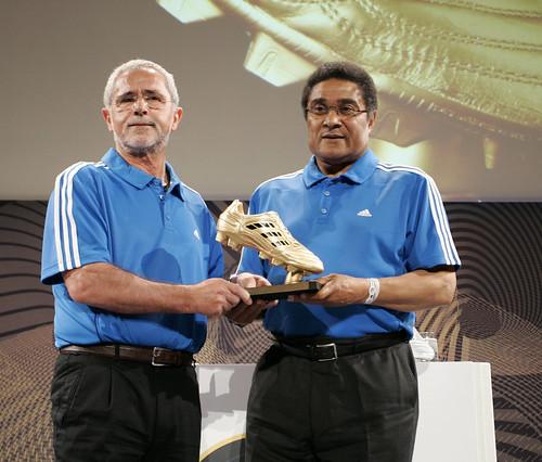 Gerd Muller and Eusebio Ferreira