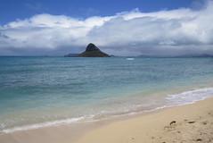 O'ahu - Kualoa Beach Park - Chinaman's Hat (wallyg) Tags: beach island hawaii oahu chinamanshat mokolii kaneohebay kualoabeach kualoabeachpark honolulucounty kualoaregionalpark kneohebay basaltisland