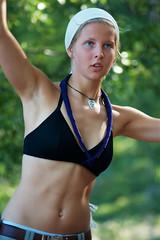 Vivi (Timo Vehvilinen) Tags: summer portrait black green girl scout bikini balance vivi headband scouting kes leiri tammisaari canonef70200mmf4l kesleiri partio saeculum svpr
