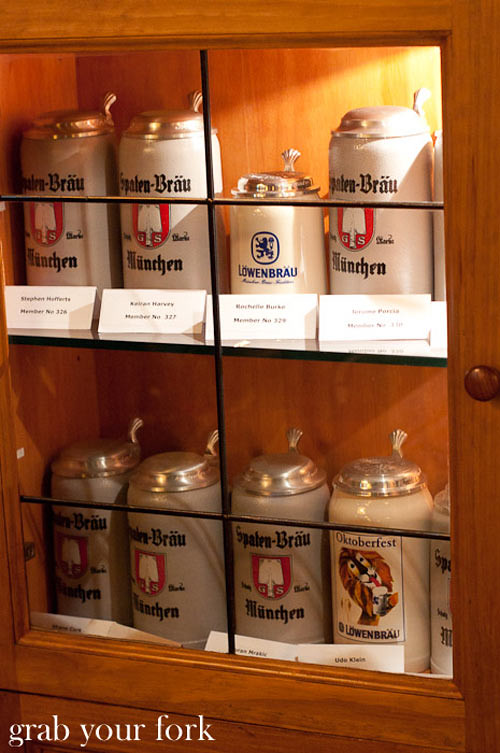 lowenbrau keller beer steins