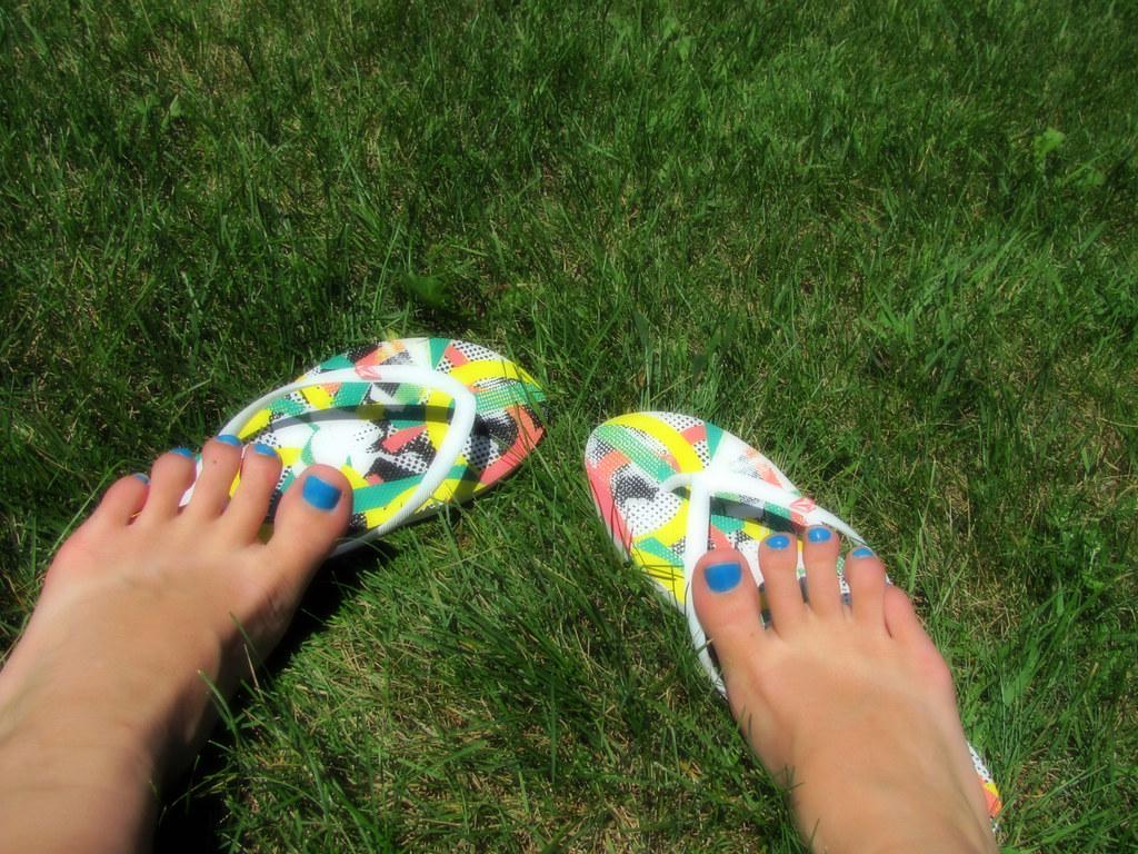 Flip Flops, Tan Lines, & Toes!