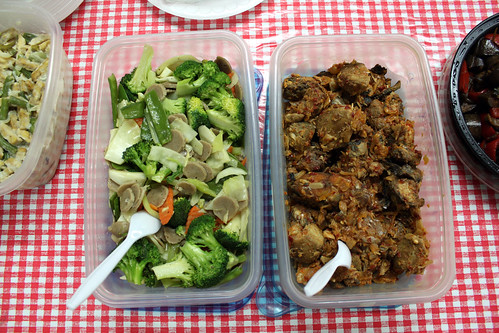 broccoli, meatballs and carrots; salted fish