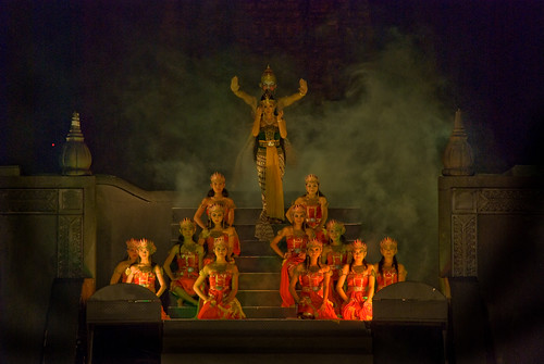 prambanan sendratari tradisional kesenian tari jawa ramayana hindu pariwisata turis bule crcs rahayu motret budaya summer school