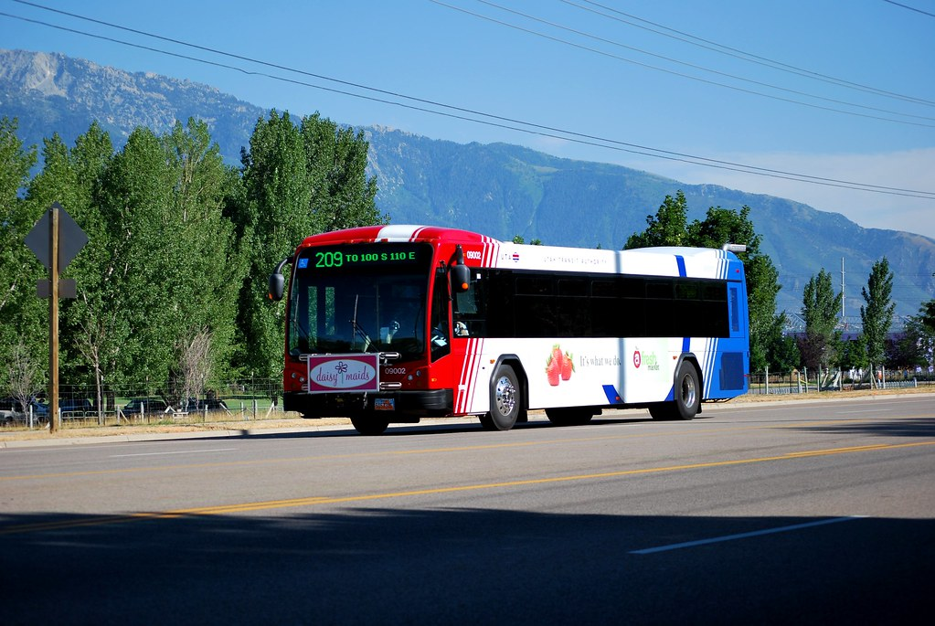 UTA Gillig Advantage BRT on Route 209