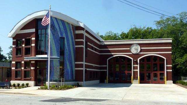 P1030051-2010-07-23-Kirkwood-Firestation-18-Facade