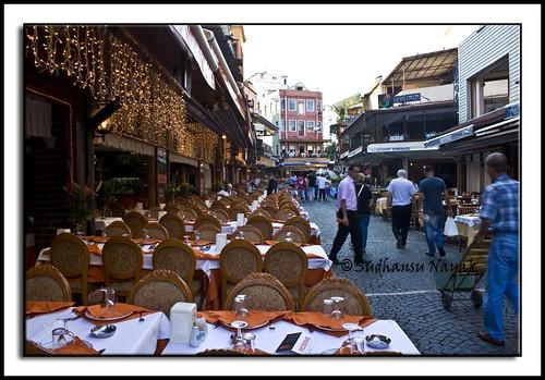 komkapi street dining