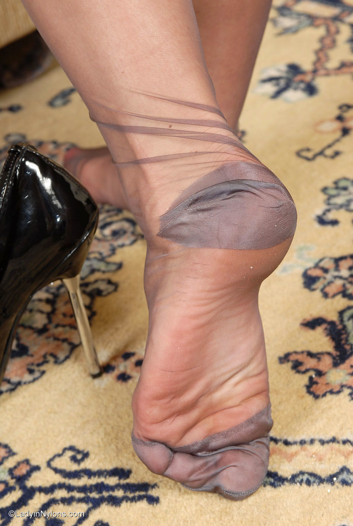 Foot rht sexy stocking pics 959