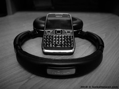 Nokia E72 and the Nokia BH-905 bluetooth headphones