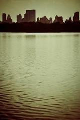 Jacqueline Kennedy Onassis reservoir, NYC (Ben.d.s) Tags: new york city newyorkcity skyline nikon d90 nikond90