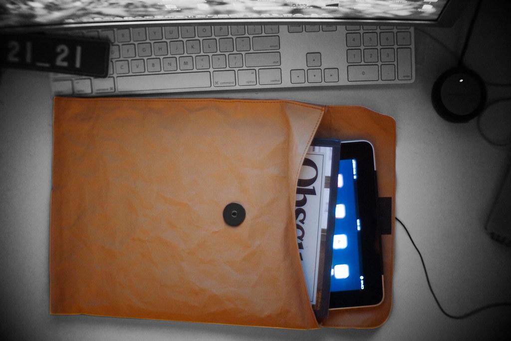 MUJI x iPad 3G