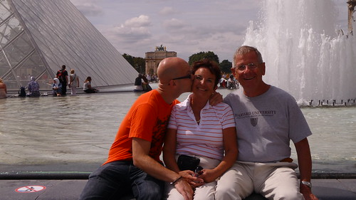 Kiss my mom in Paris by Ginas Pics