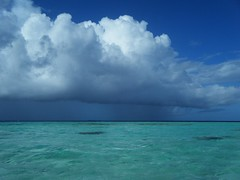 squall approaching (behang) Tags: weather clouds squall cookislands 2010 suwarrow
