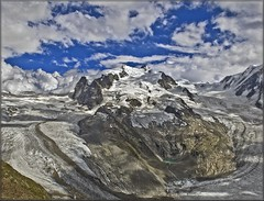 Monte Rosa,(4634m) / a view from Gornergrat (3,130m).(847) (Izakigur) Tags: italy mountains alps alpes landscape schweiz switzerland nikon europa europe flickr italia suisse suiza swiss feel rosa gornergrat 1755mmf28g zermatt monterosa matterhorn d200 alpen helvetia nikkor svizzera alpi wallis lepetitprince ch valais dieschweiz musictomyeyes 瑞士 1755 suizo alpiglen 스위스 myswitzerland lasuisse nikond200 nikkor1755f28 nikkor1755 alpene سويسرا nikon1755f28g superaplus aplusphoto שווייץ 阿尔卑斯山 thebestofday gününeniyisi izakigur vanagram cantonduvalais suisia imagesforthelittleprince laventuresuisse tripleniceshot mygearandmepremium mygearandmebronze izakigur2010 izakiguralps ӯҳҳоиалп izakigurzermatt