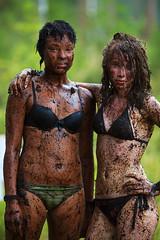 Emma & Heini (Timo Vehviläinen) Tags: summer girl suomi finland dof mud bokeh scout bikini evo scouting 135mm leiri canonef135mmf2l partio kilke finnjamboree