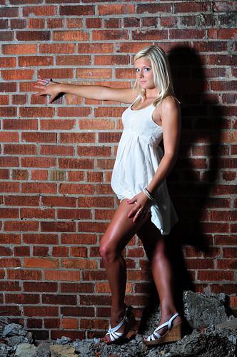[フリー画像] 人物, 女性, 金髪・ブロンド, ドレス, 201009252100