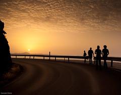 Veamos la puesta de sol en primera fila (- GD photography -) Tags: road sunset black sol yellow carretera amarillo puestadesol puesta caminata siluetas 2010 artenara platinumphoto andenverde