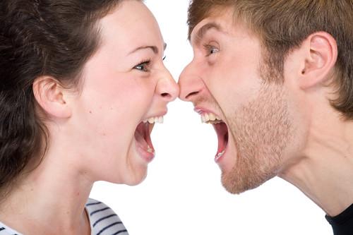 Férfi agresszió, női agresszió