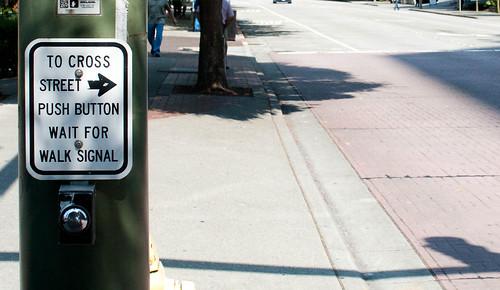 To cross street push button