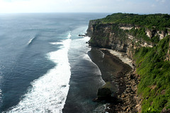 Uluwatu, Bali (Mylene_S) Tags: sea bali water indonesia landscape waves uluwatu