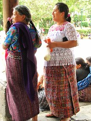 The Redefinition of a Pan-Maya Identity 2 (Rudy A. Girón) Tags: women maya guatemala antigua indigenous indígena antiguaguatemala guatemalanwomen rudygiron laantiguaguatemala lagdp laantiguaguatemaladailyphoto mayawomen mujeresguatemaltecas rudygirón 501000mm mujeresmayas panmayamaya