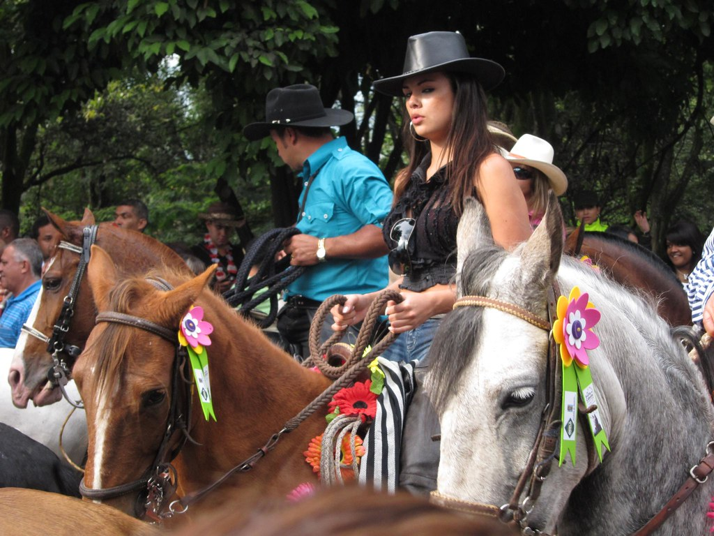 A woman keeping cool control of her horse. I was surprised to find a lot more women riding than I expected. Many of them were young, and stylishly dressed. This is Medellin after all.