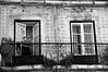 * (...storrao...) Tags: windows bw man portugal socks nikon lisboa balcony pb nb photowalk homem meias alfama janelas varanda d90 storrao sofiatorrão nikond90bw lxpw