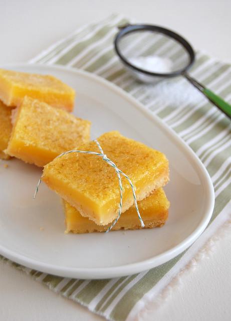 Very tangy lime lemon bars / Barrinhas super azedinhas de limão e limão siciliano