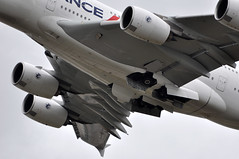 [13:45] ..main gear retraction. (A380spotter) Tags: flight20062010af1980cdglhr86lpontsupérieur0047 undercarriage landinggear maingear gearinmotion gim retraction departure takeoff climbout airbus a380 800 msn0043 fhpjc airfrance afr af af1981 lhrcdg runway27l 27l london heathrow egll lhr