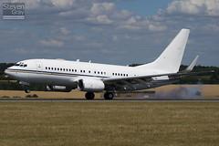 A6-AIN - 29268 - RoyalJet - Boeing 737-7Z5 BBJ - Luton - 100721 - Steven Gray - IMG_8875