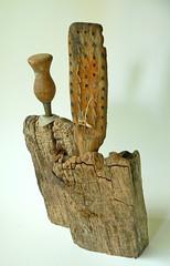 Brosse & poinon de dos (paulherail) Tags: art driftwood