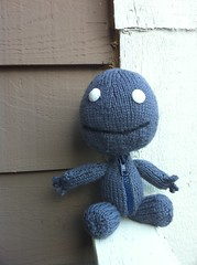 Sackboy in Grey (KristinaMarina) Tags: stuffedtoy grey stuffed handknit yarn videogames amigurumi knitpicks videogamecharacter littlebigplanet sackboy sackperson handmadesackboy