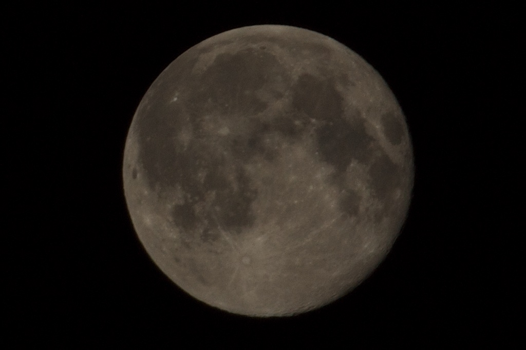 Panasonic GF1's moon 1024x683