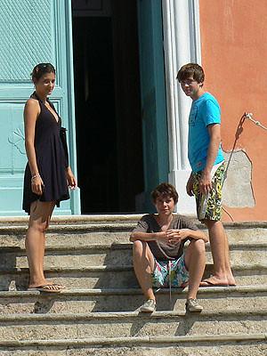les trois enfants sur les marches, nonza.jpg