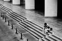 Amore santo e blasfemo (Skid X) Tags: girls scale stairs steps lovers hugs cagliari tenderness ragazze gradini amanti tenerezza abbracci skidx
